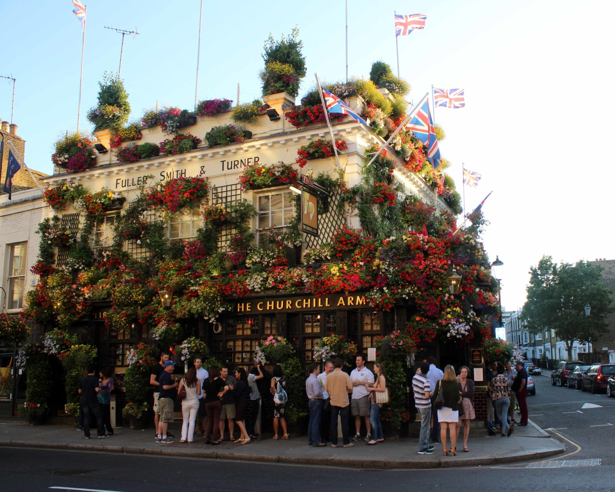 The Churchill Arns, the perfect pub to spend a day in the London sunshine