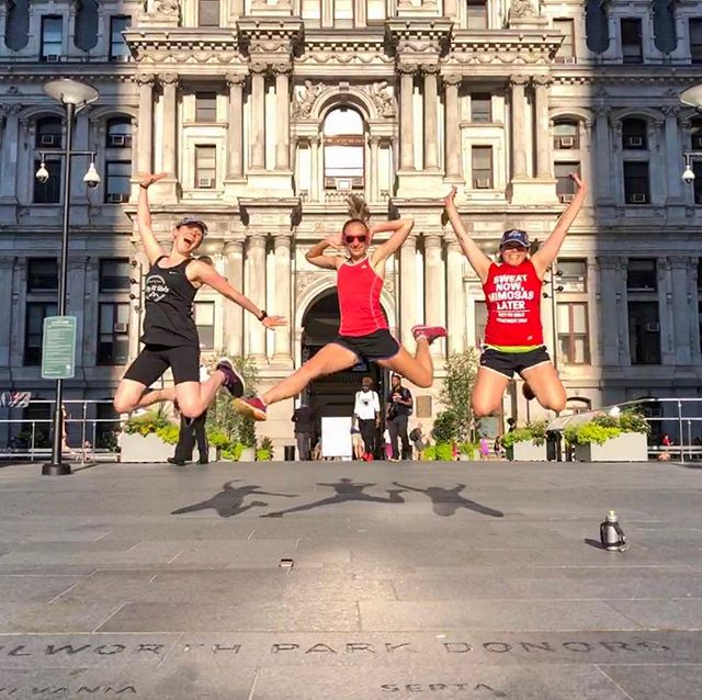The first time I ever ran with @cityfitgirls, I probably jumped in the picture. It only seemed fitting to take one more last night in front of city hall. 😊 . . #cityfitgirls #myphillyrun #run215 #runphl #howphillyseesphilly
