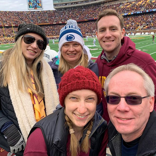It was a good idea (for my family) that we took this at half time. 🤸🏼‍♀️ #gogophers