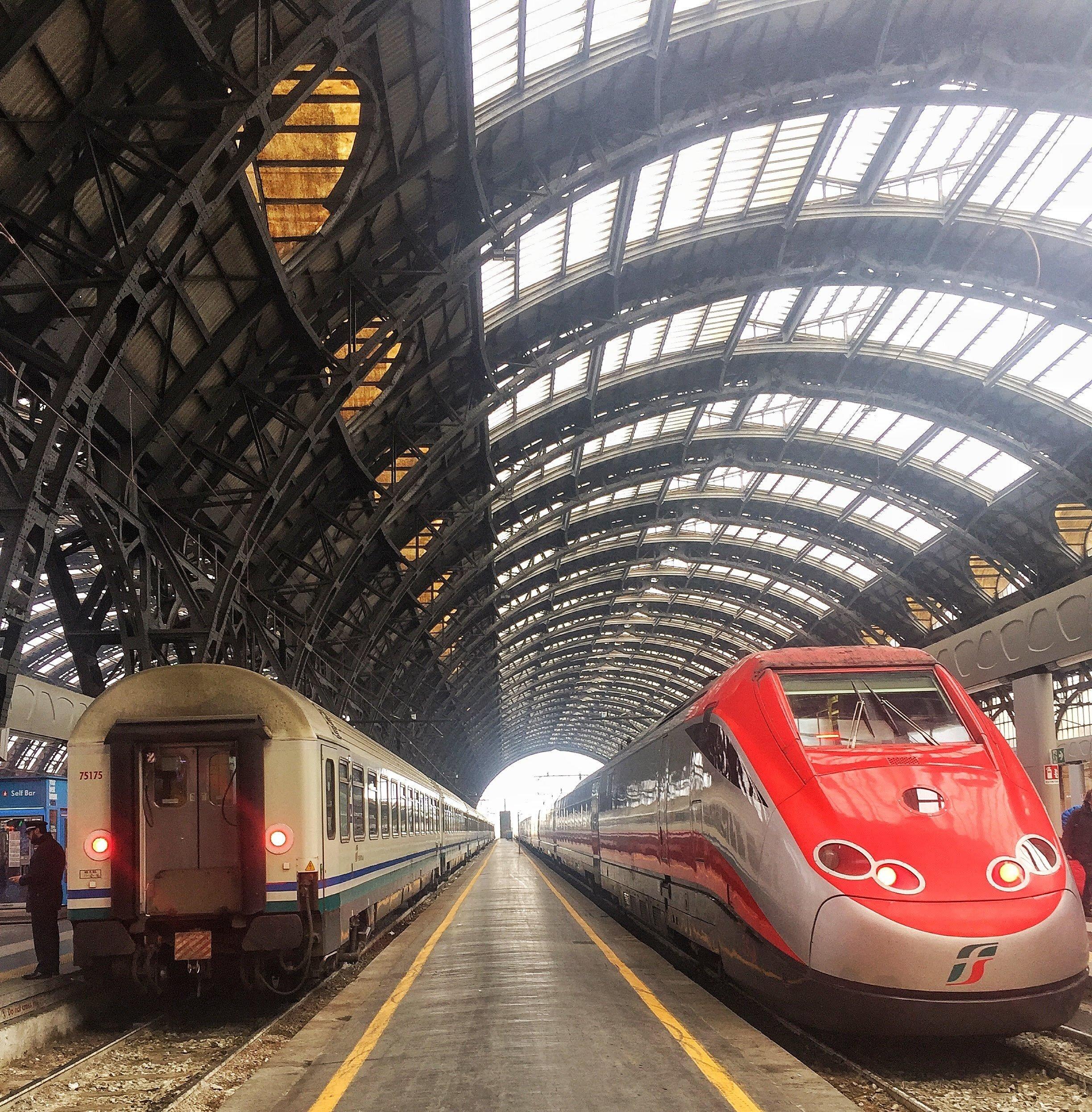 Estaçao Central de trem em Milano, Italia
