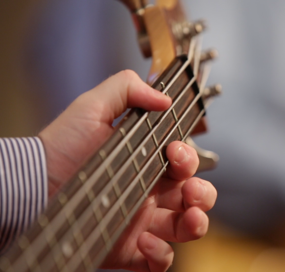 Bass - Guitar Close ups.MOV.22_39_00_10.Still001.png