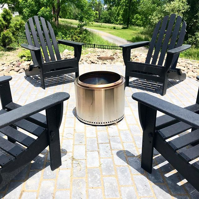 Getting ready for fall, prime #firepit season! We designed this patio to work perfectly with our favorite fire pit, @solostove, which we love for its low smoke and sleek design! . . . #landscaper #landscaping #hardscape #flxlife #lifeinthefingerlakes #ithacany #solostove
