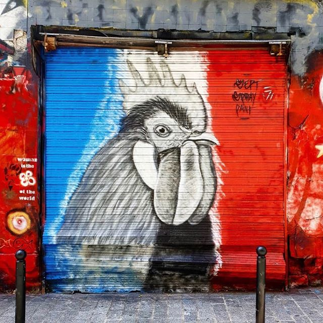 Happy Bastille Day! Did you know the Rooster is France's national animal? Some say that it's because roosters are proud, somewhat unpredictable and a little mean 😂 We'd like to think it's because the rooster is a symbol of sexuality and resurrection 💙🇫🇷❤️ 🇫🇷 Cocorico! Joyeuse Fête Nationale à tous! Et n'oubliez pas de recycler vos cadavres (de bouteilles bien sûr) ——— 📷 @mathieuflex 🎨 sept_spray_paint ——— #cocorico #france #bastilleday #bastille #14juillet #fetenationale #bleublancrouge #bluewhitered #party #celebrate #celebration #francais #francaise #french #frenchstyle #francophile #frenchmehard #frenchlife #lifeinfrance #franceisintheair #jaimelafrance #francemylove #frenchlifestyle #frenchculture