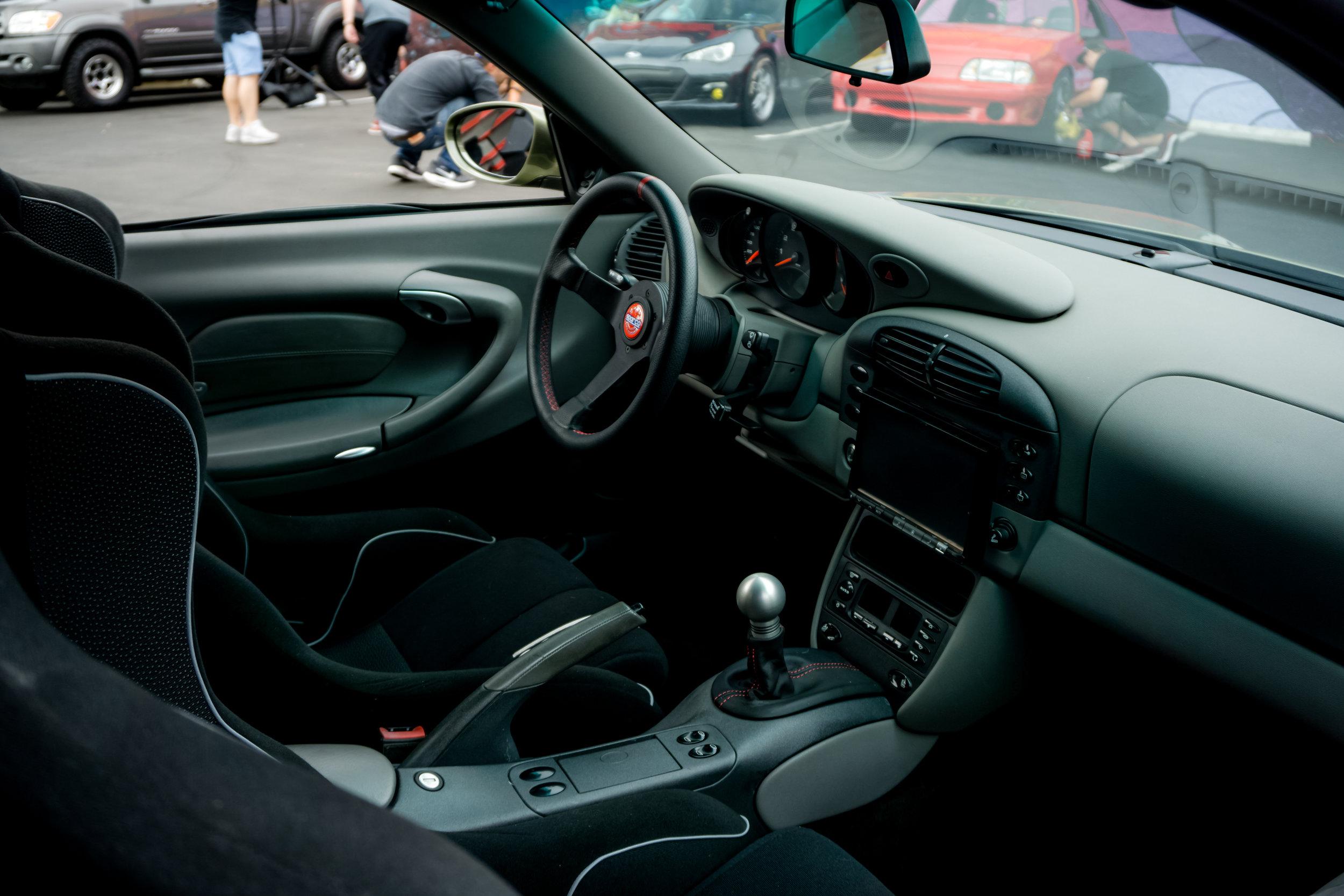 CNCPics_Porsche_911DV8_Interior.jpg