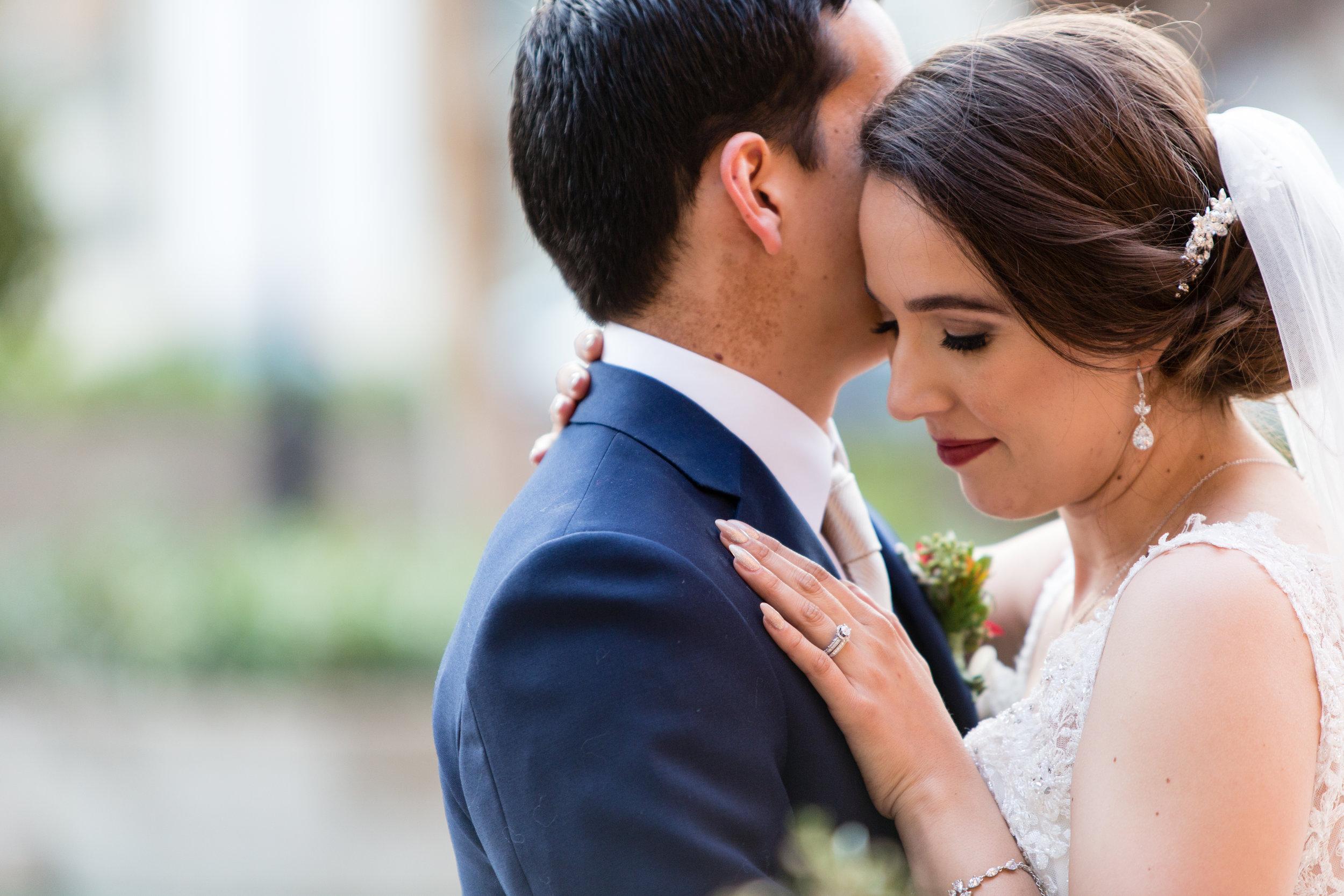 To see my bridal portfolio -