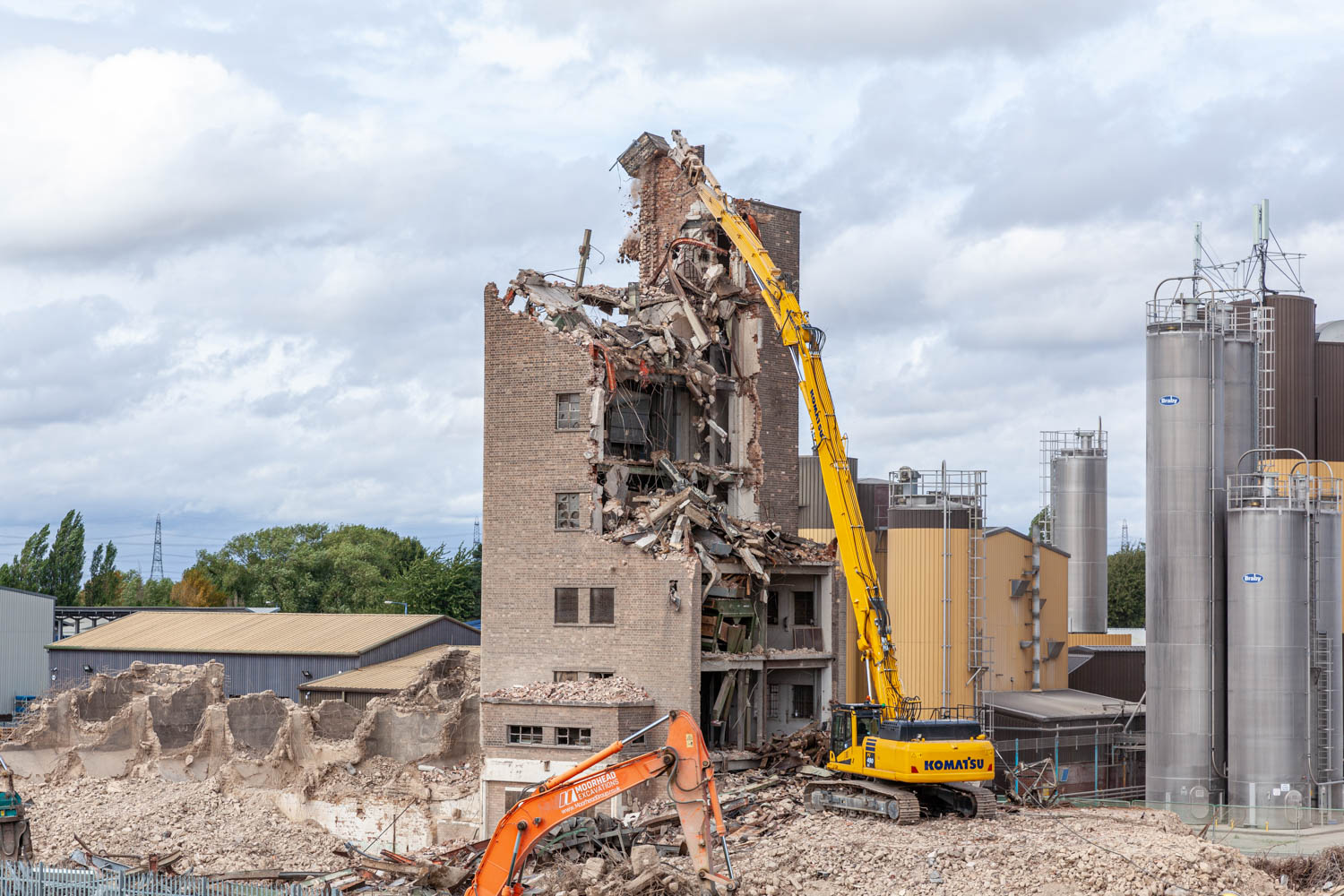 Demolition of old grain silo.