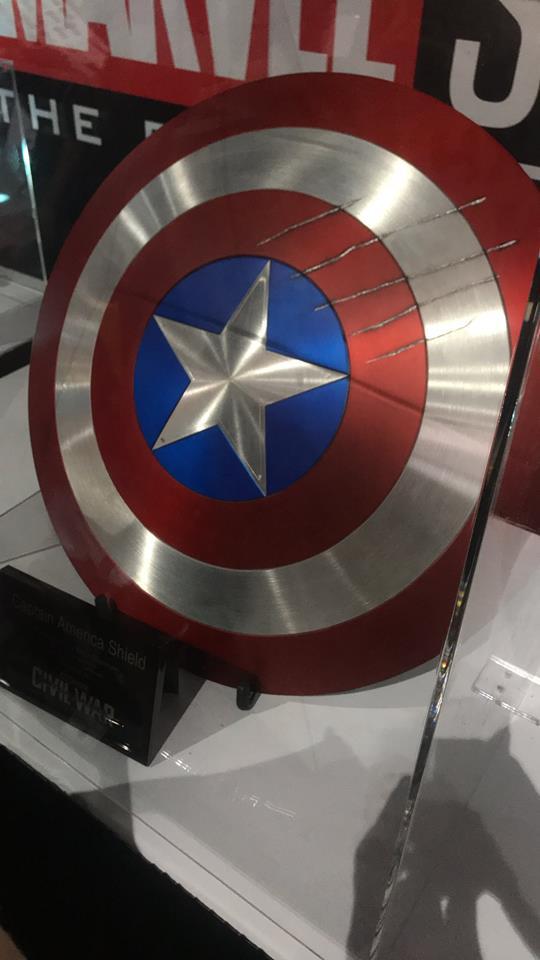 Captain America's Shield - Comic Con - Peter Darker