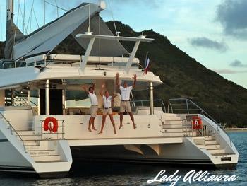Lady Alliaura - happy crew.jpg