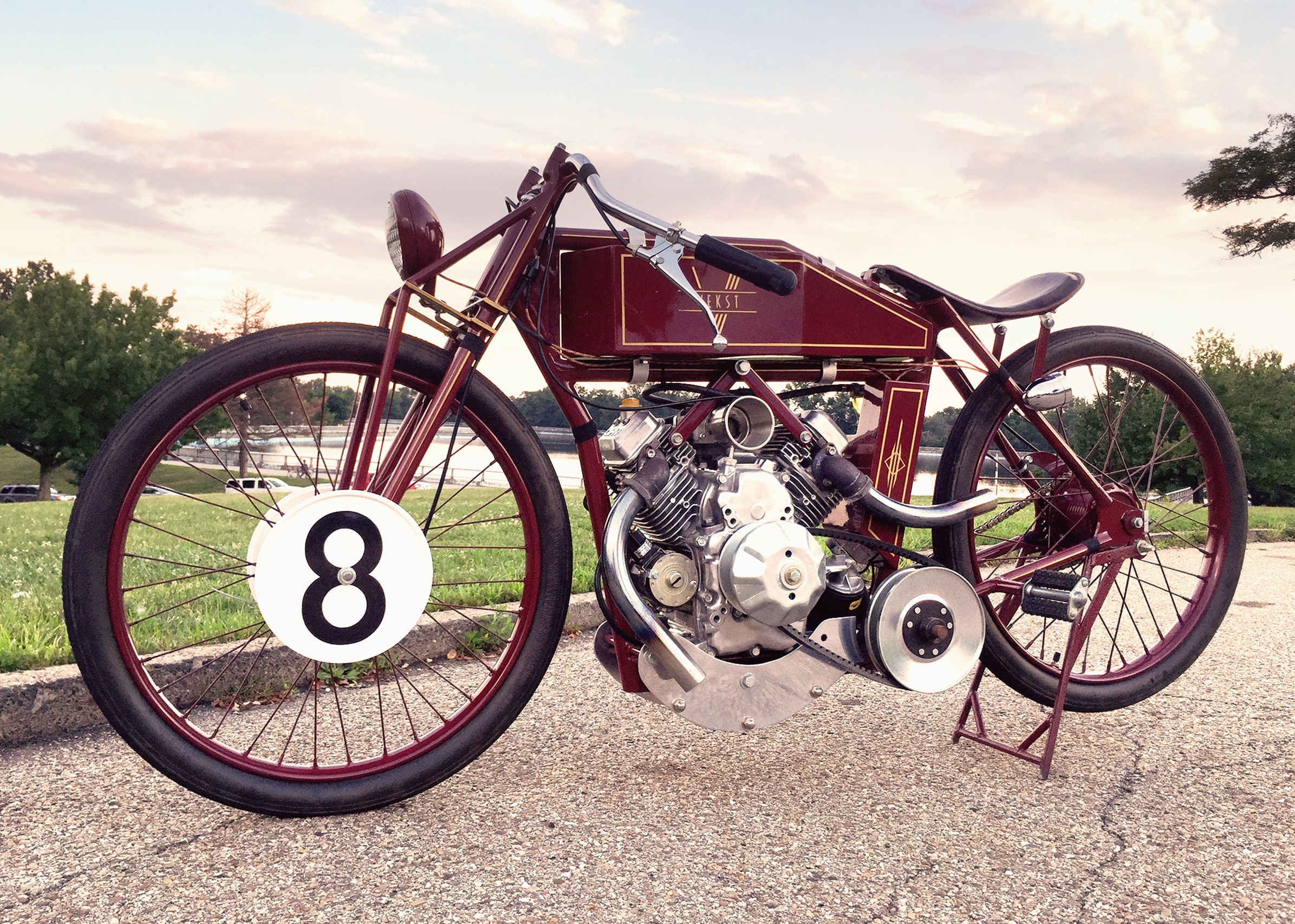 630cc V-TWIN - 1926 board track racer tribute. Powered by a Briggs and Stratton Vanguard with a Comet 40/41 CVT