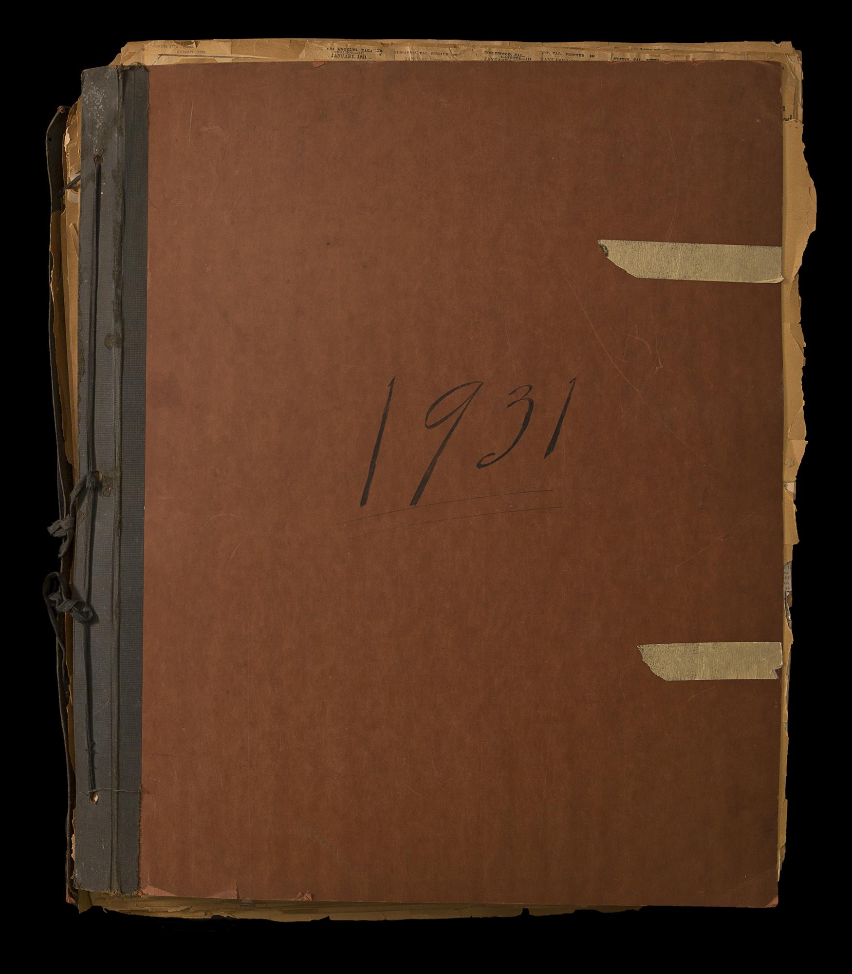 HBVolunteerScrapbook_Cover_B0700_1931.jpg