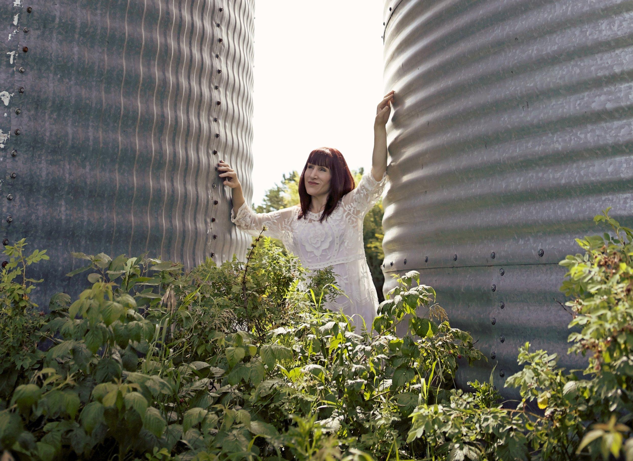 Farm girl 10.jpg