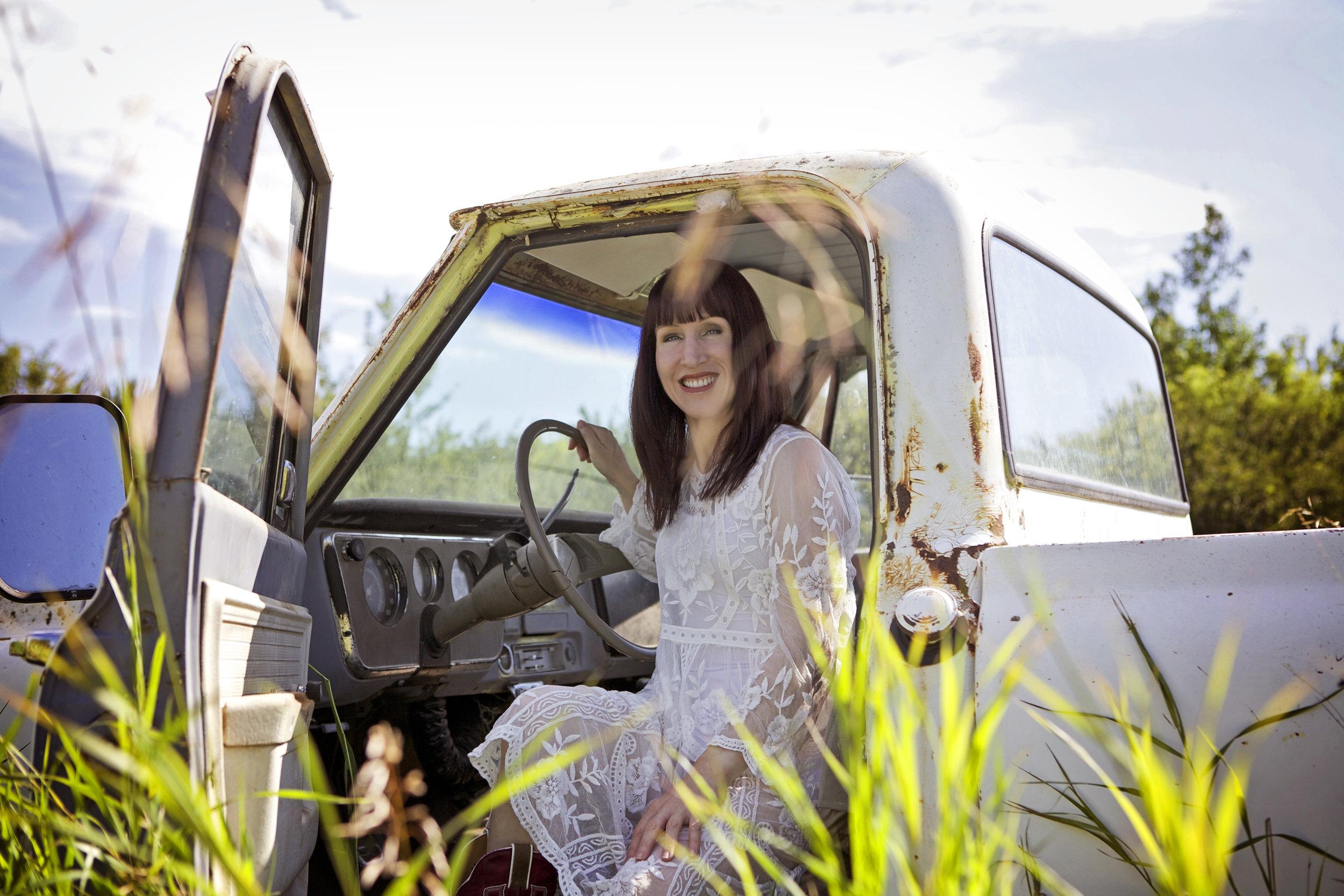 Farm girl 16.jpg