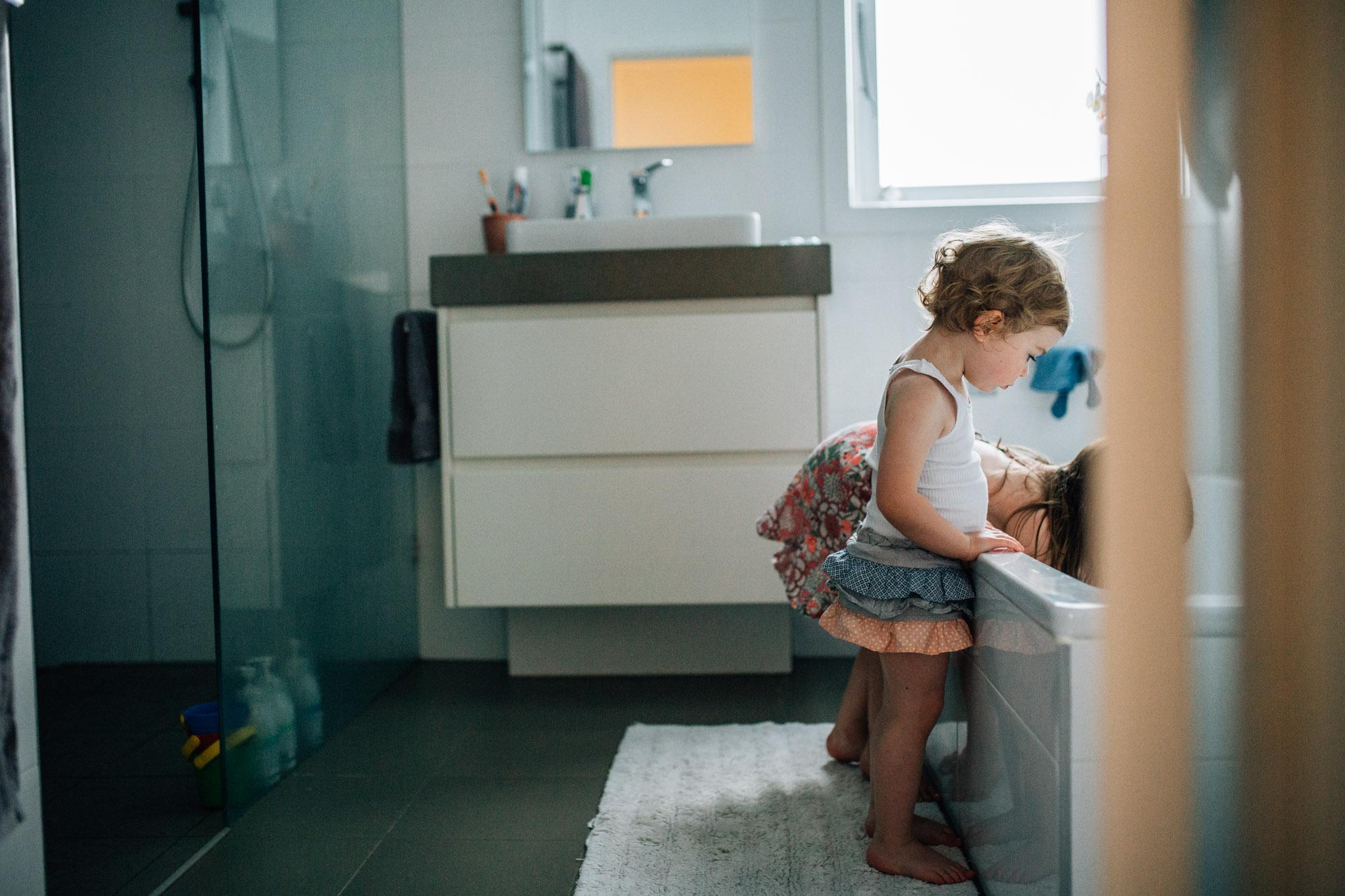 little-girls-waiting-for-bath-to-run (1 of 1).jpg