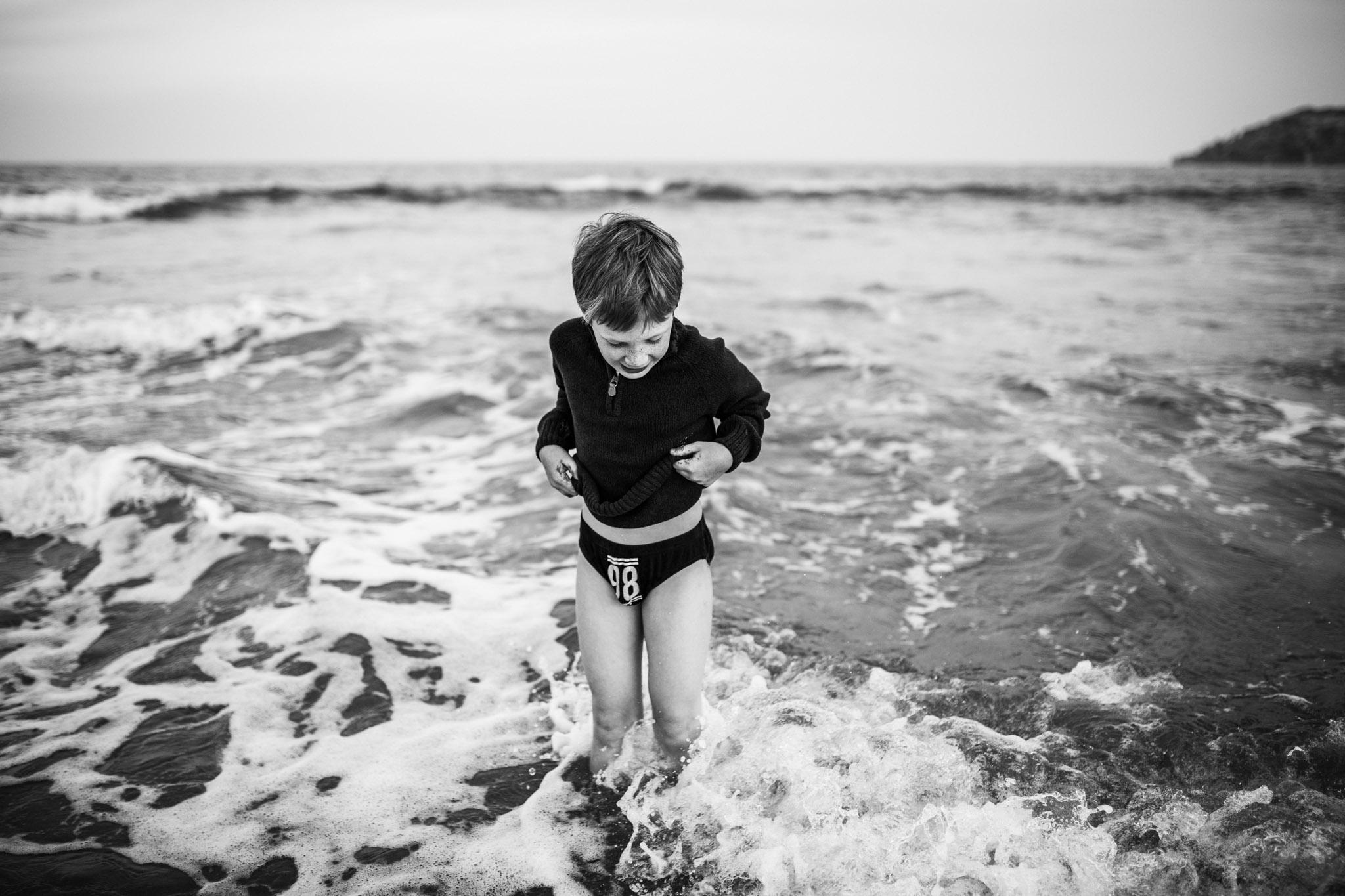 little-boy-splashing-in-ocean-II (1 of 1).jpg