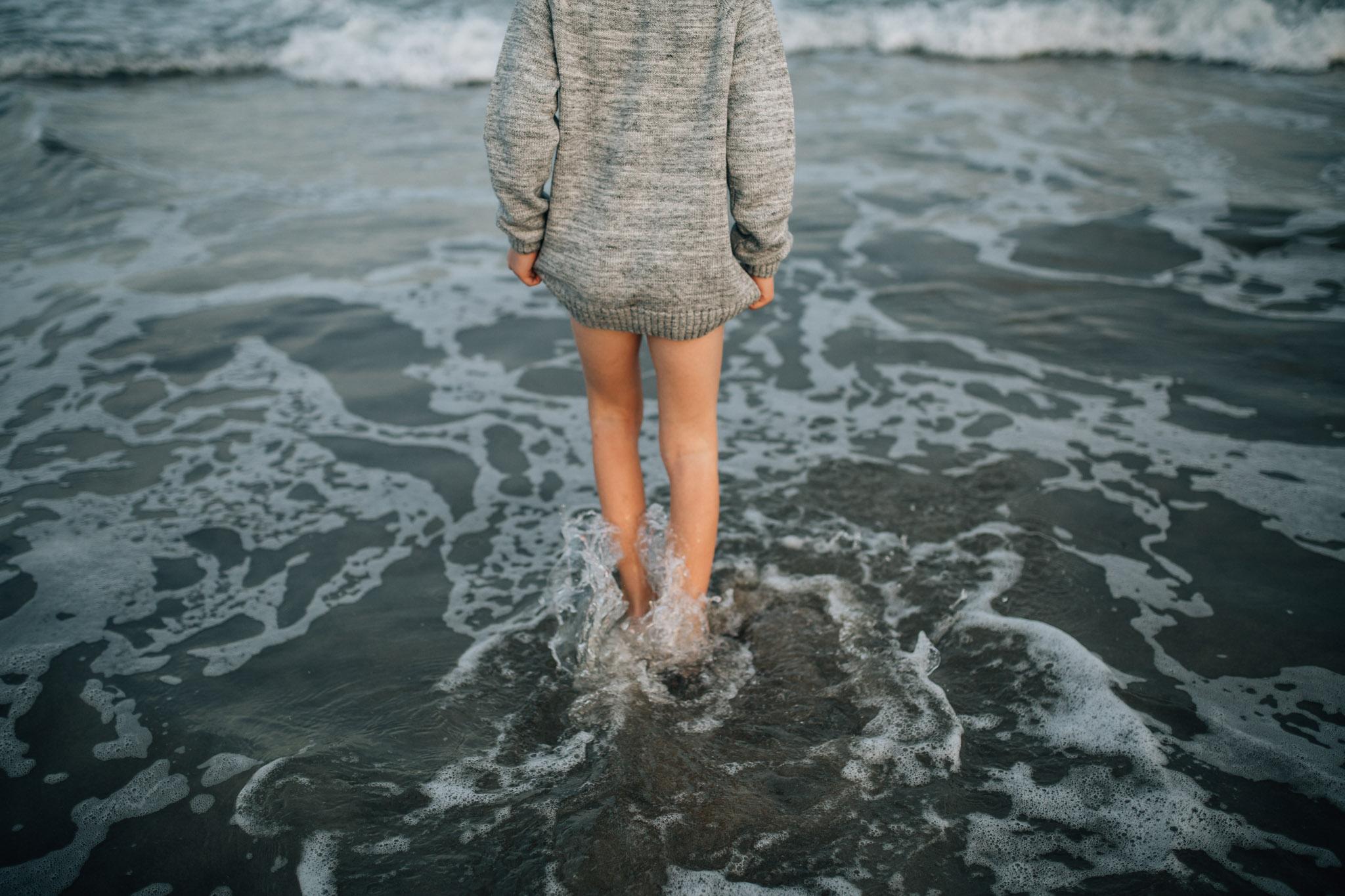 little-boy-splashing-in-ocean-III (1 of 1).jpg