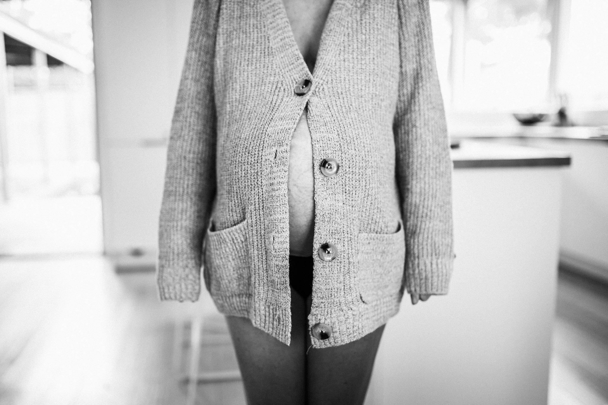 pregnant-tummy (1 of 1).jpg