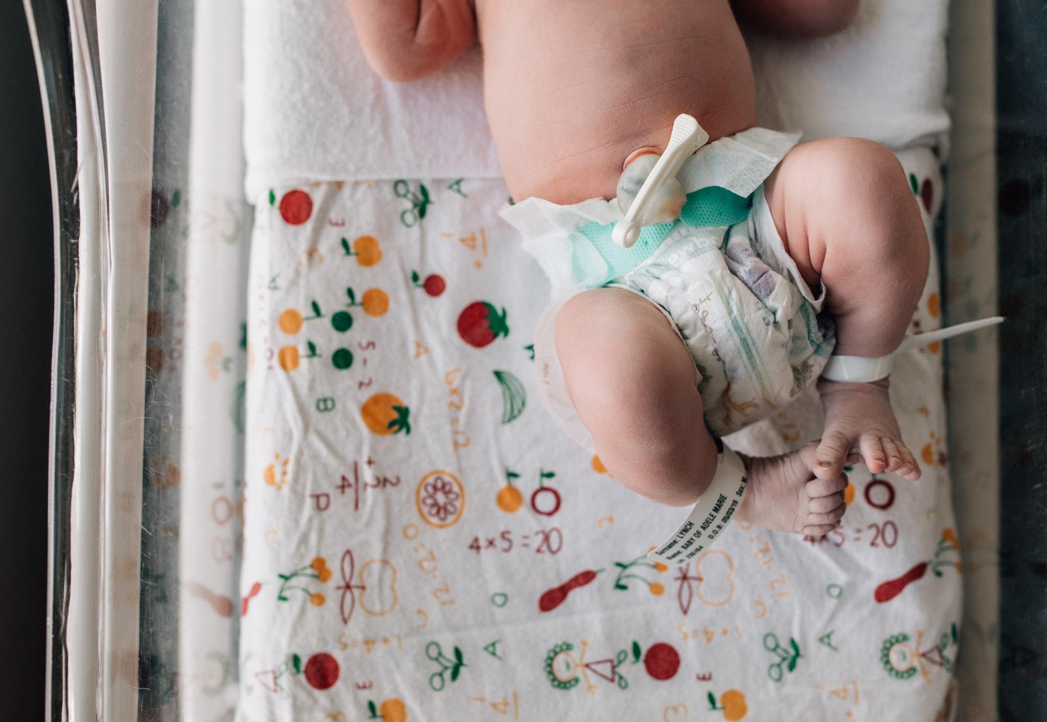 new-baby-in-bassinet-V (1 of 1).jpg