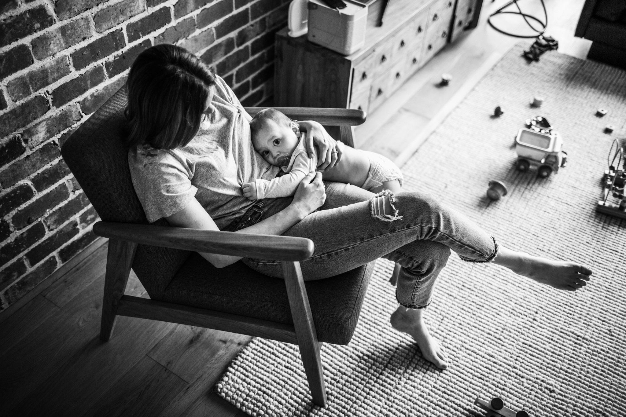 baby-lying-in-mamas-lap (1 of 1).jpg