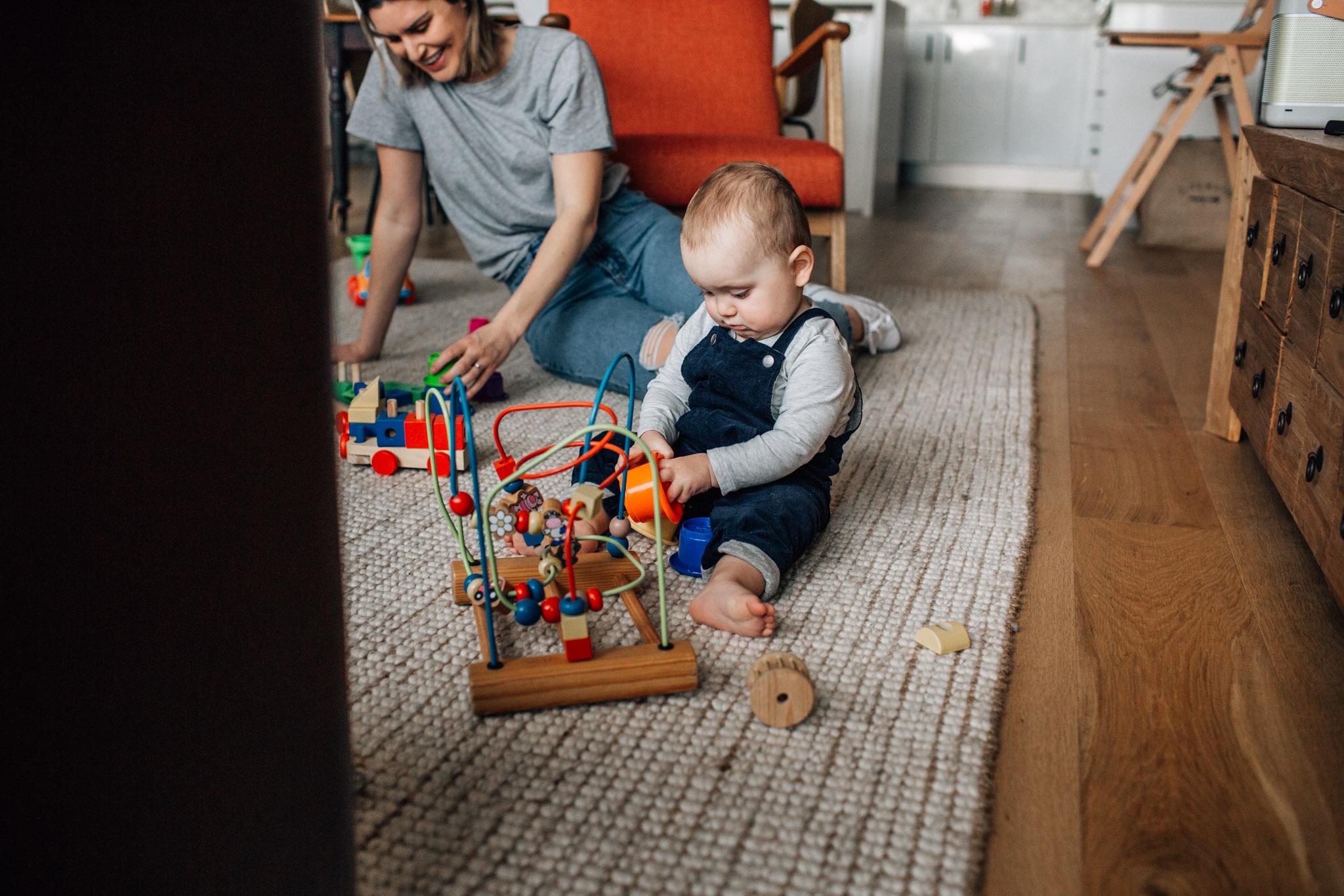 family-on-floor-I (1 of 1).jpg