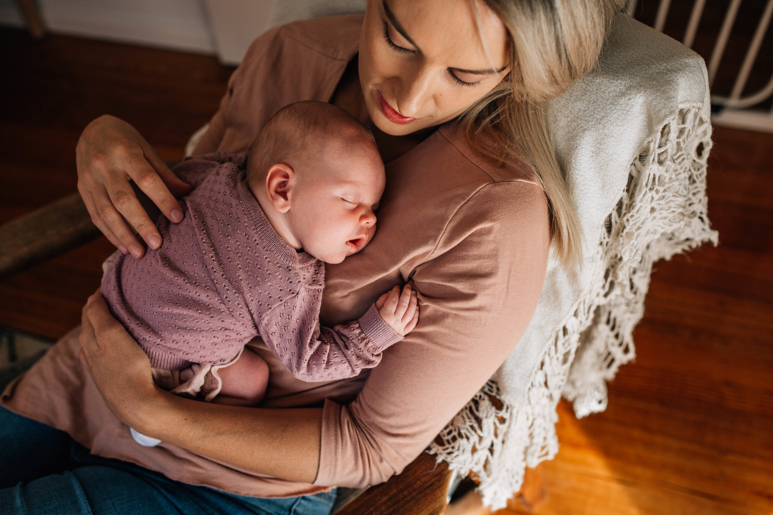 baby-sleeping-on-mothers-chest-I.jpg