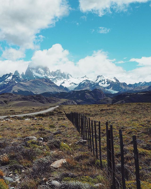 The road to El Chalten, Patagonia. . . #travelphotography#patagonia#discover#explore#keepgoing#solotravel#argentina#getoutside#hike#wander#destinations#remote#landscapephotography#greatoutdoors#mountains#elchalten