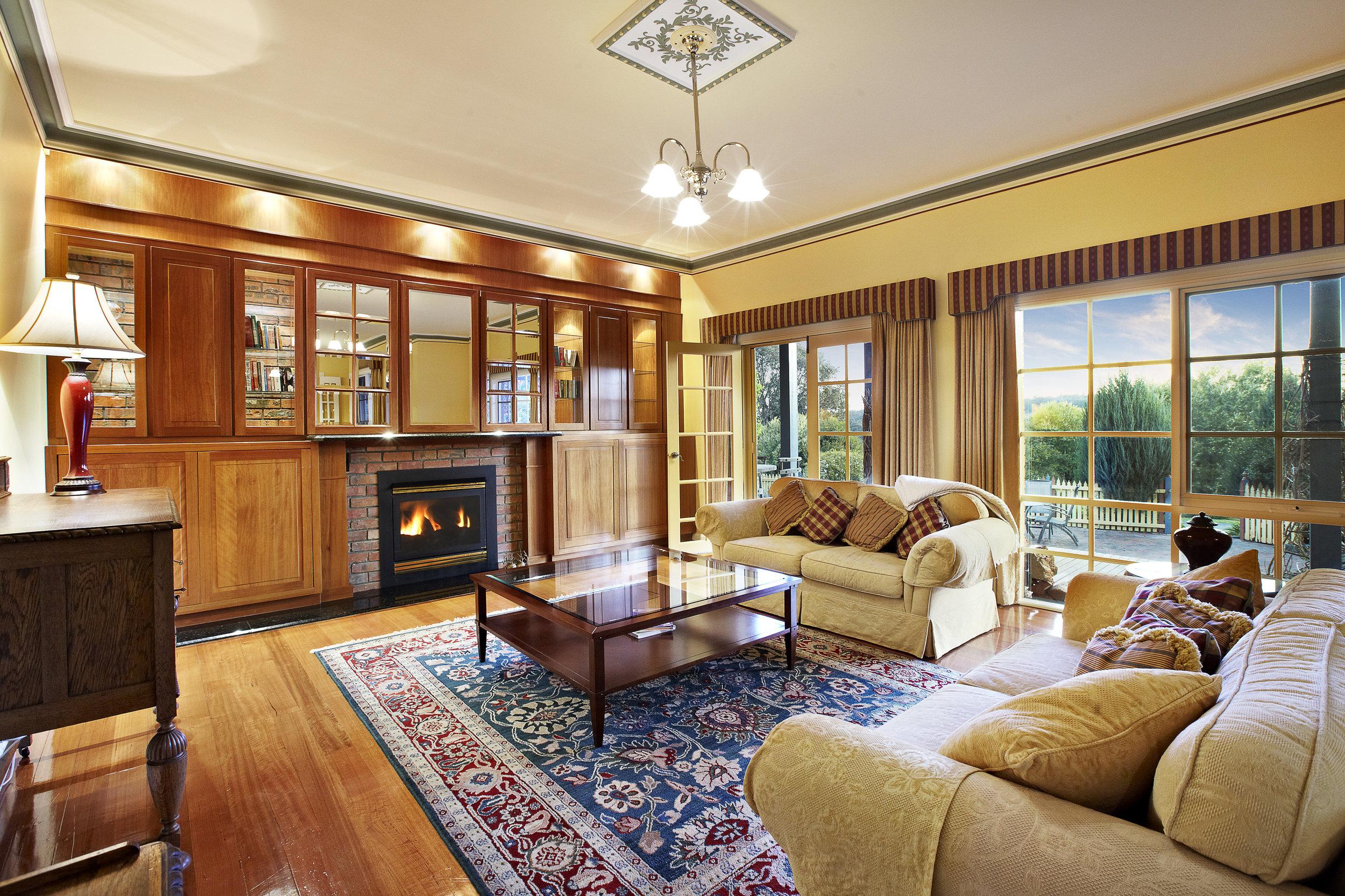 Lounge downstairs.jpg