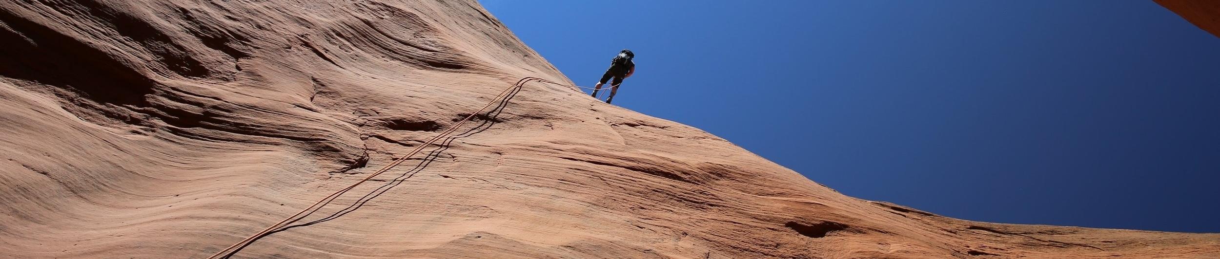 rapeller in Utah canyon