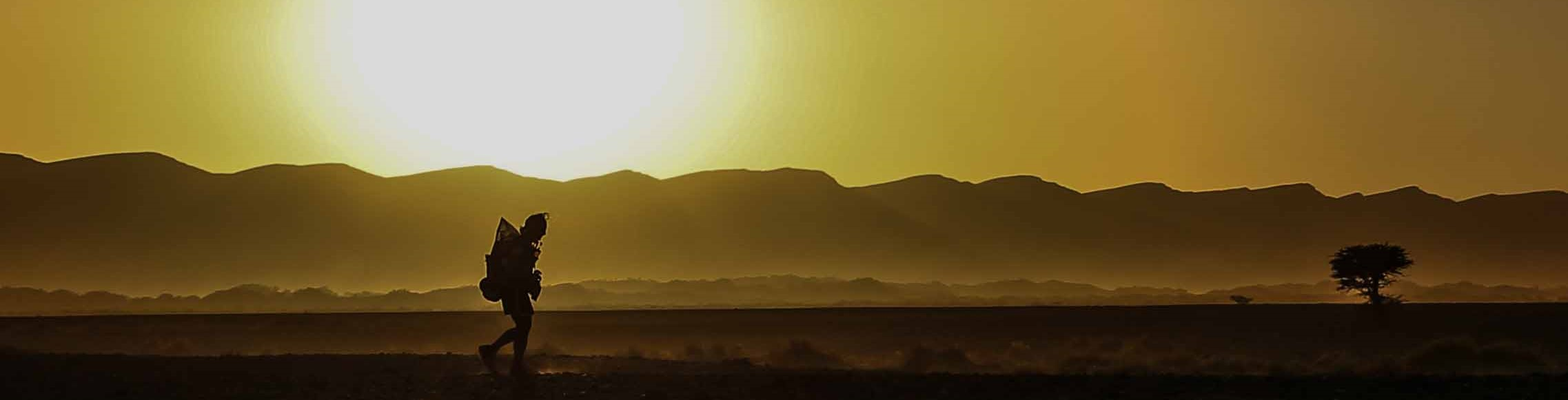 runner at sunset, Marathon des Sables