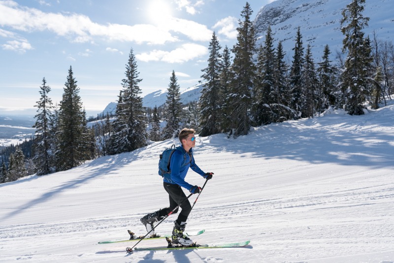Piers Daniell ski touring during IGO N60 2018