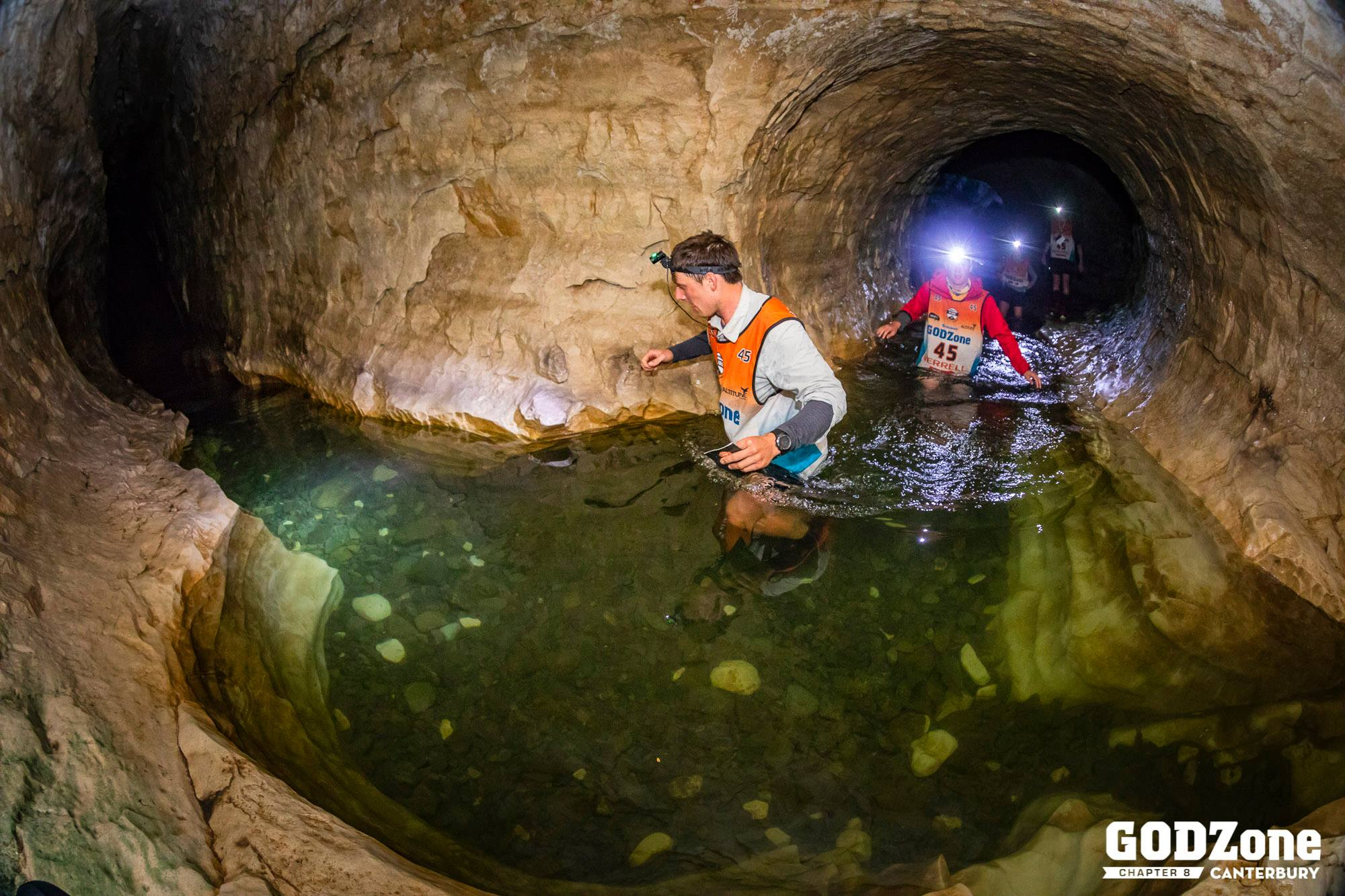 Day 2 : Negotiating Cave Stream, towards the end of Stage 2, photo Alexandre Socci