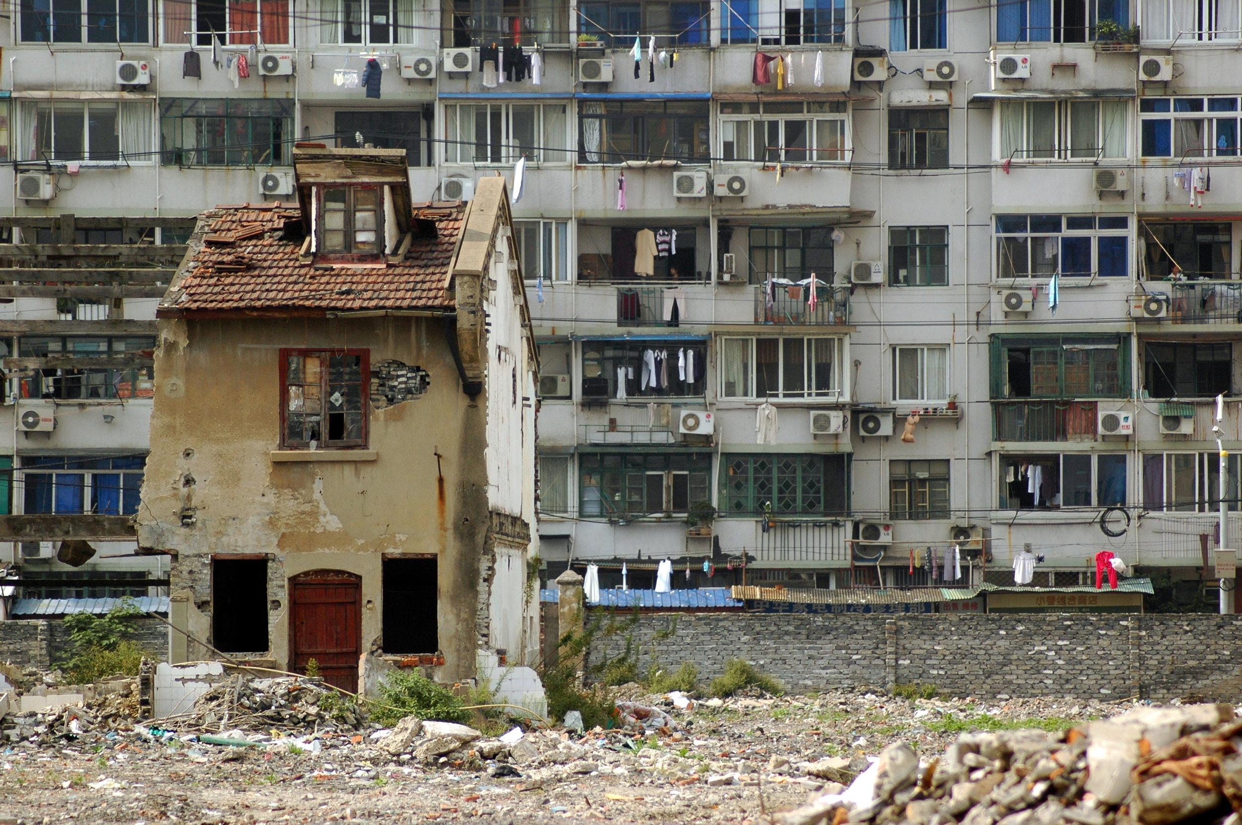 Les 'maisons clous' désignent une bâtisse que les propriétaires refusent de quitter et de voir détruite sous la pression de promoteurs immobiliers.