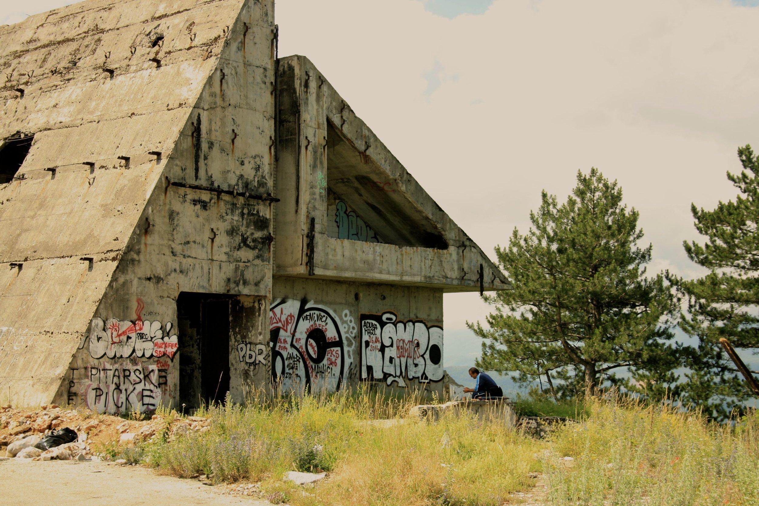 Photo d'un blockhaus au Mont Trebevic (photo de Sophie Gleizes)