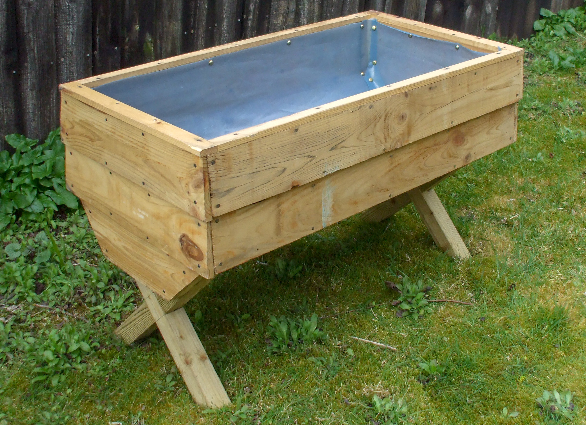 Plant / Vegetable Trough - go to   Gallery   for larger photos