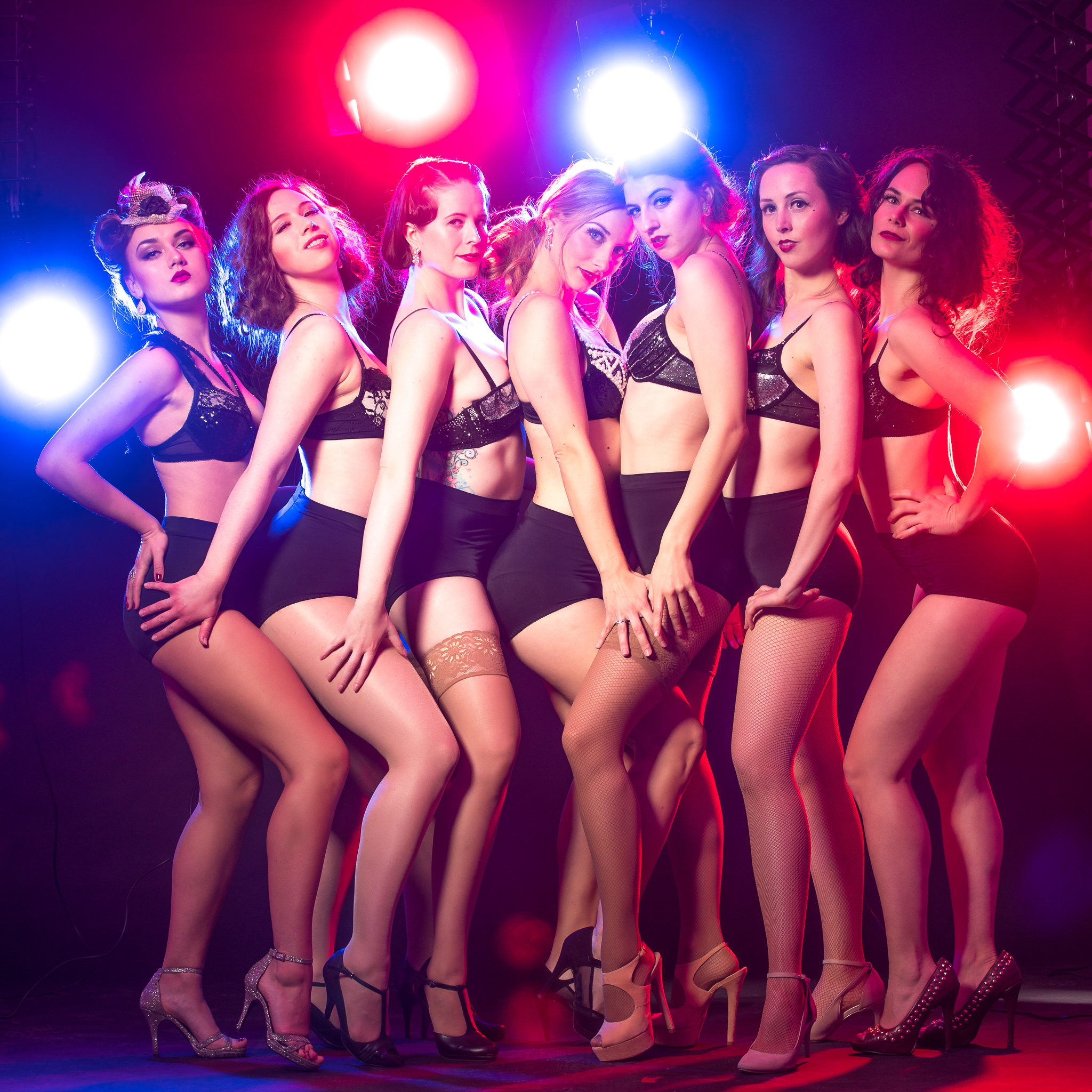 LIVE SHOWS - WITNESS A GLAMOROUS, SEXY AND HUMORISTIC SHOW.IT WILL KNOCK YOUR FEET OFF, MAKE YOUR JAW DROP AND GET YOUR PARTY STARTED.
