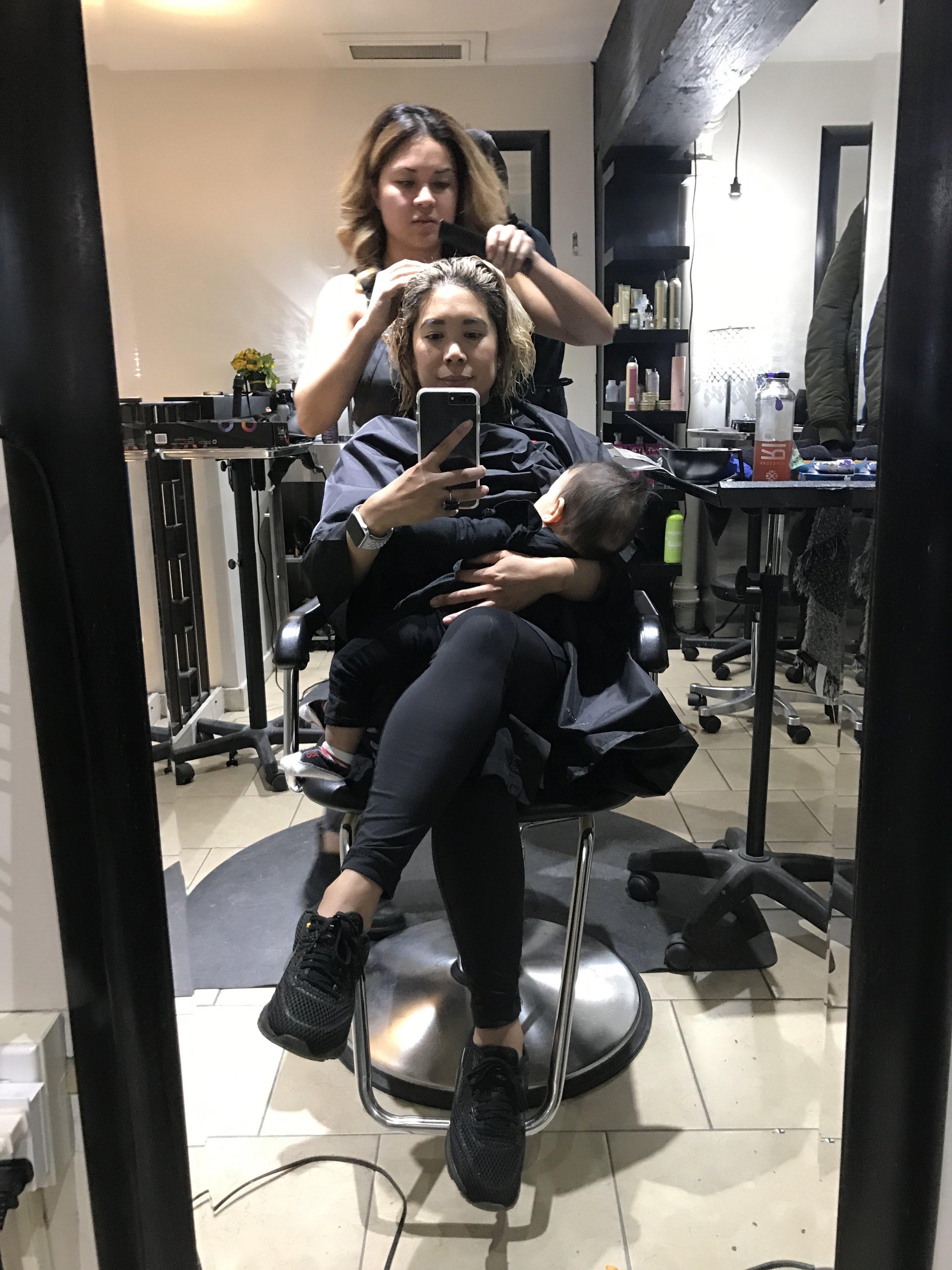 Mama + Babe - Nursing at the salon