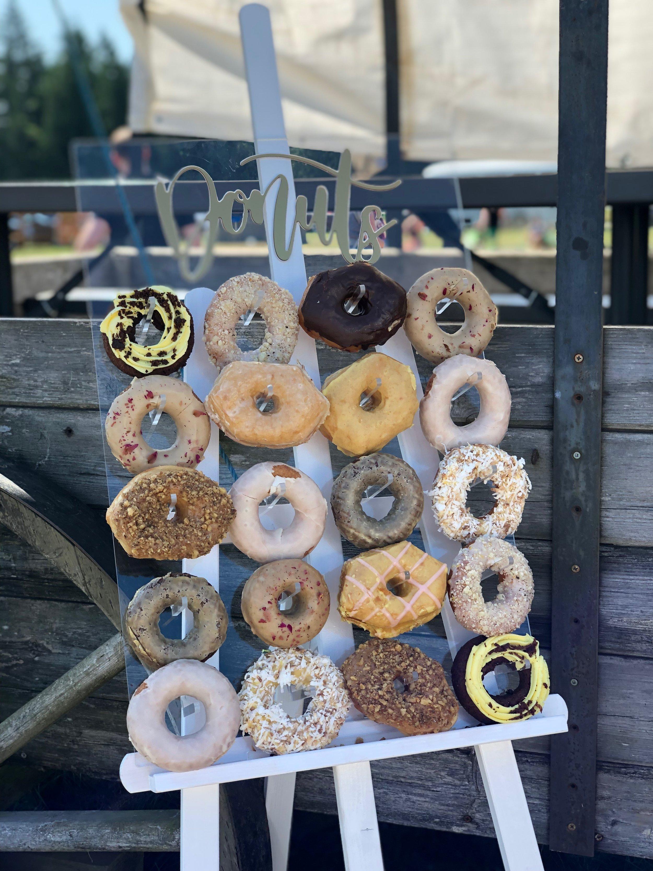 Donut Easel 3.jpeg