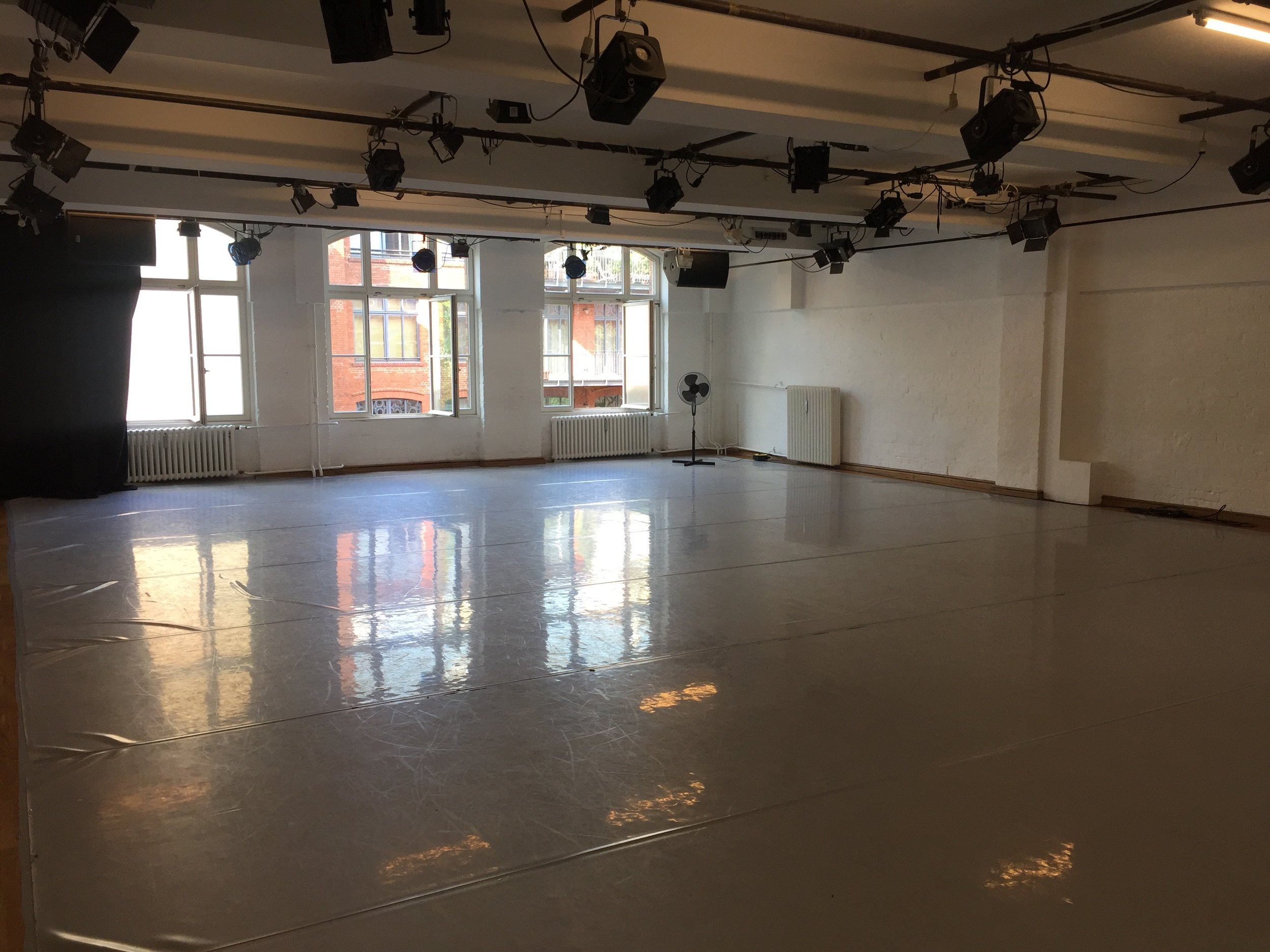 The big and charming studio at Tanz-Fabrik Berlin