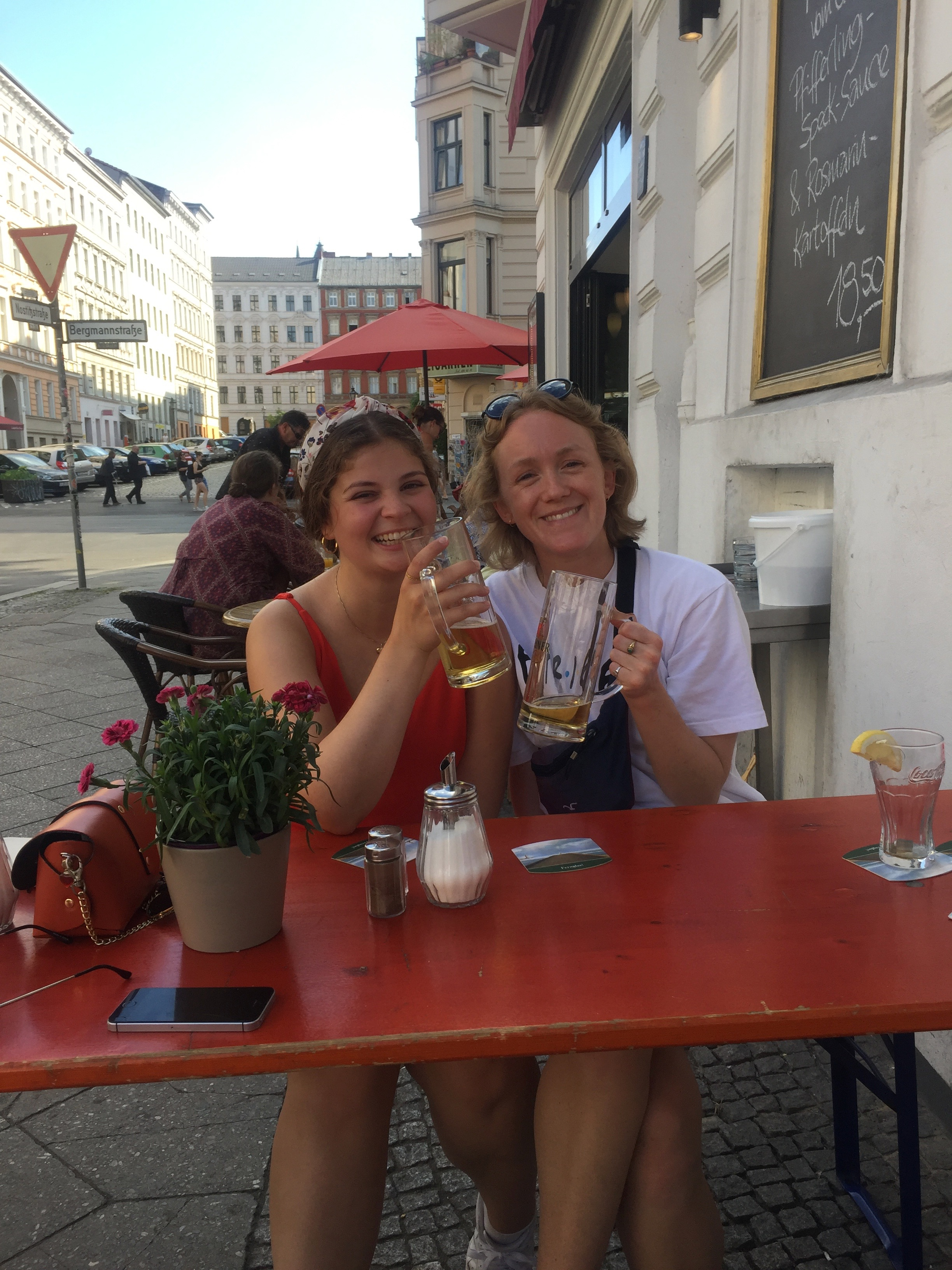 Met my lovely friend Cassandra, from the Bårdar academy in Norway, randomly in Berlin. Hadn't seen each other in ages!