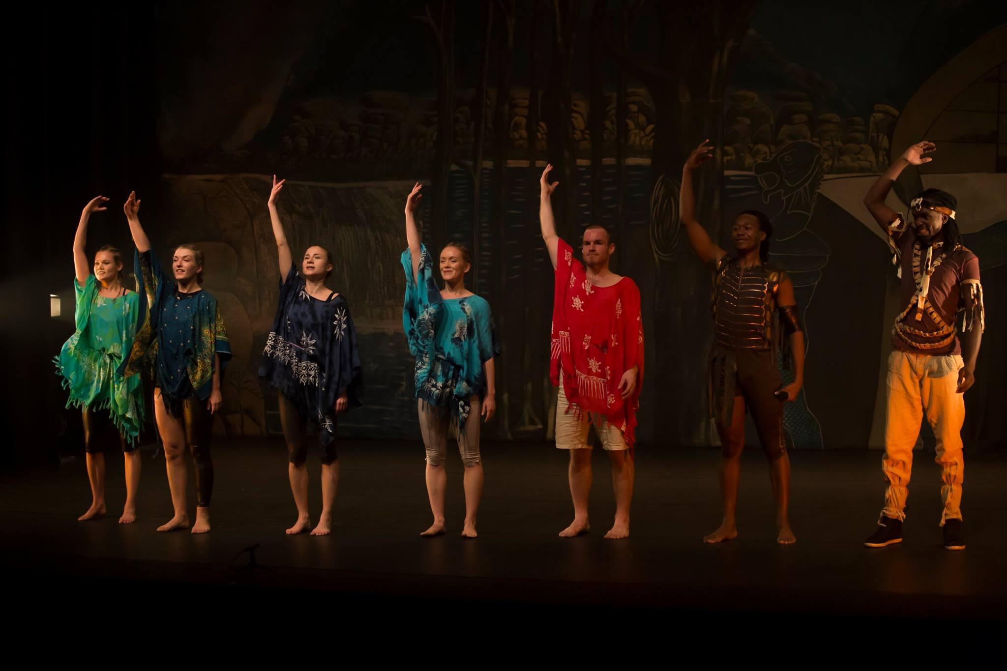 The Nyami Nyami 2018 cast f.l: Mari Sofie Askeland, Sara Steen Holvik, Elisabeth Ludwig, Ingrid S. Nyhus, Eivind Linn, Tendai Makurumbandi, Othnell Mangoma Moyo