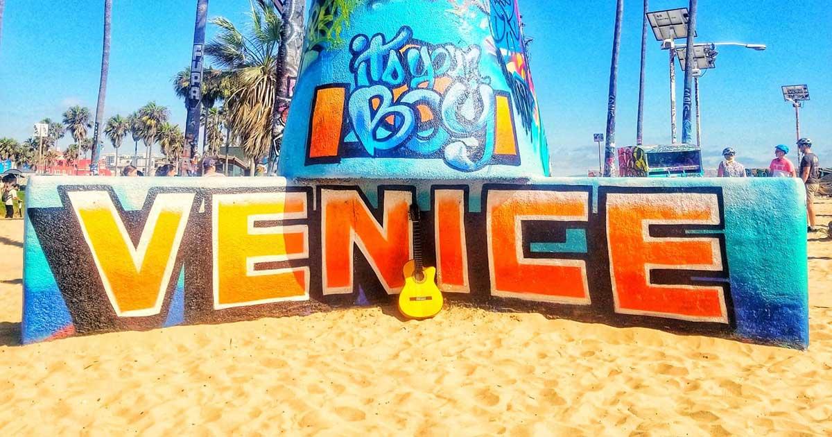 Radio-Venice-S12.E01.jpg