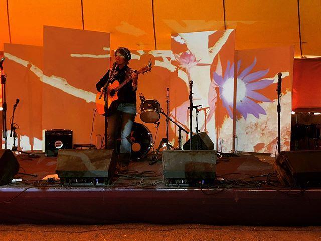 #adriennebraswell #LIVE #onstage @fieldtrippinfest #vidart @konceptfilms