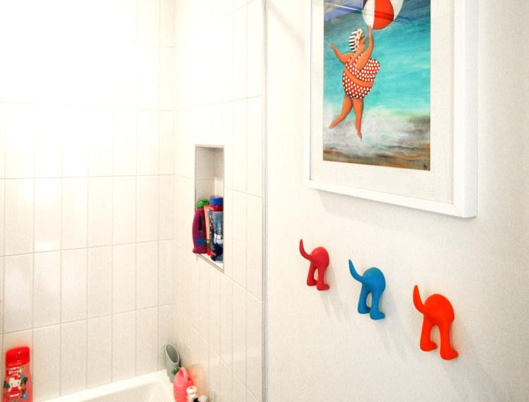 B12-calgary-kids-bathroom-750x570.jpg