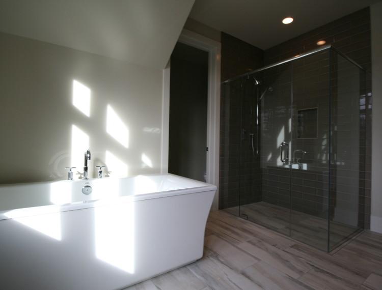B14-Luxury-Master-Bathroom-Calgary-750x570.jpg