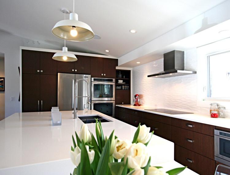 K26-modern-white-calgary-kitchen-750x570.jpg