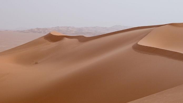 1200px-Libya_4608_Idehan_Ubari_Dunes_Luca_Galuzzi_2007.jpg