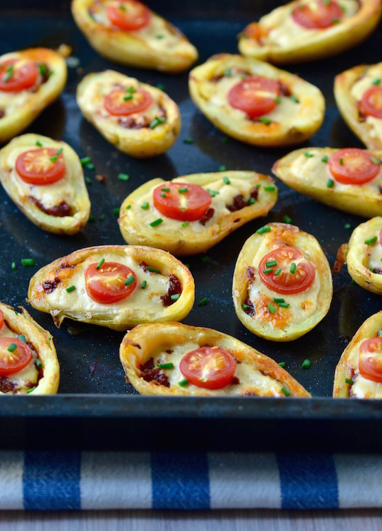 MINI VEGAN POTATO SKINS   The ultimate party treat, with a plant-based twist! These are so easy to make you'll spend less time cooking and more time doing fun Christmas-y things!