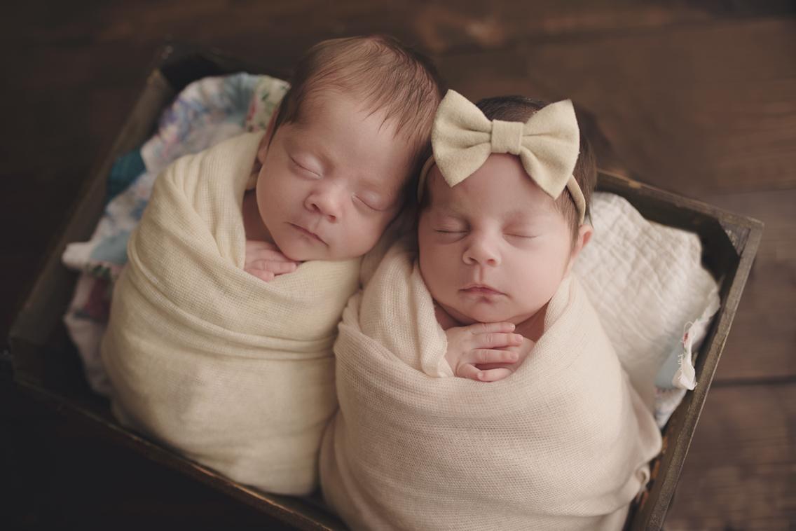Twins_Newborn_Photographer_Middle_GA.jpg