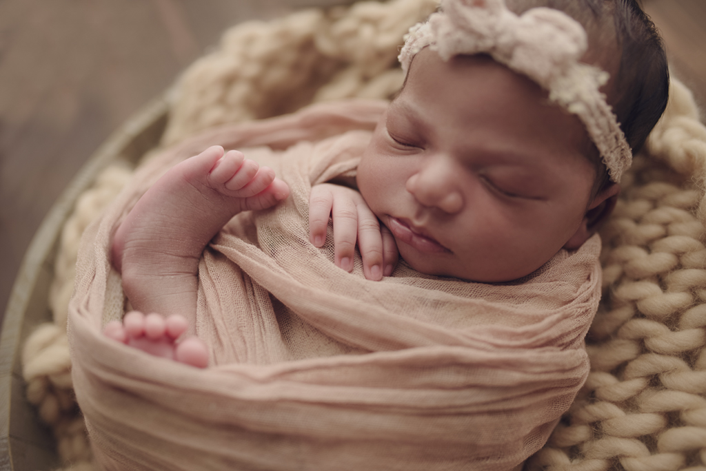 Newborn photographer in Warner Robins .jpg