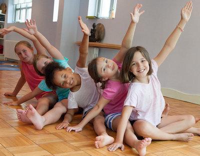 yoga-girls-1.jpg
