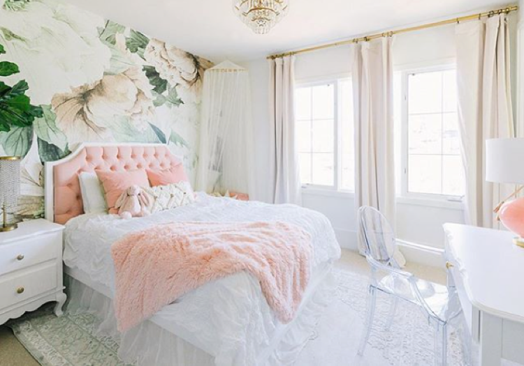 Credit to  @littlecrowninteriors   Little Crown Interiors   www.littlecrowninteriors.com